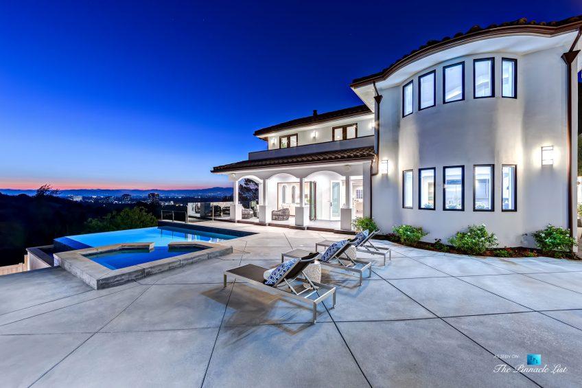083 - 15234 Rayneta Drive, Sherman Oaks, CA, USA