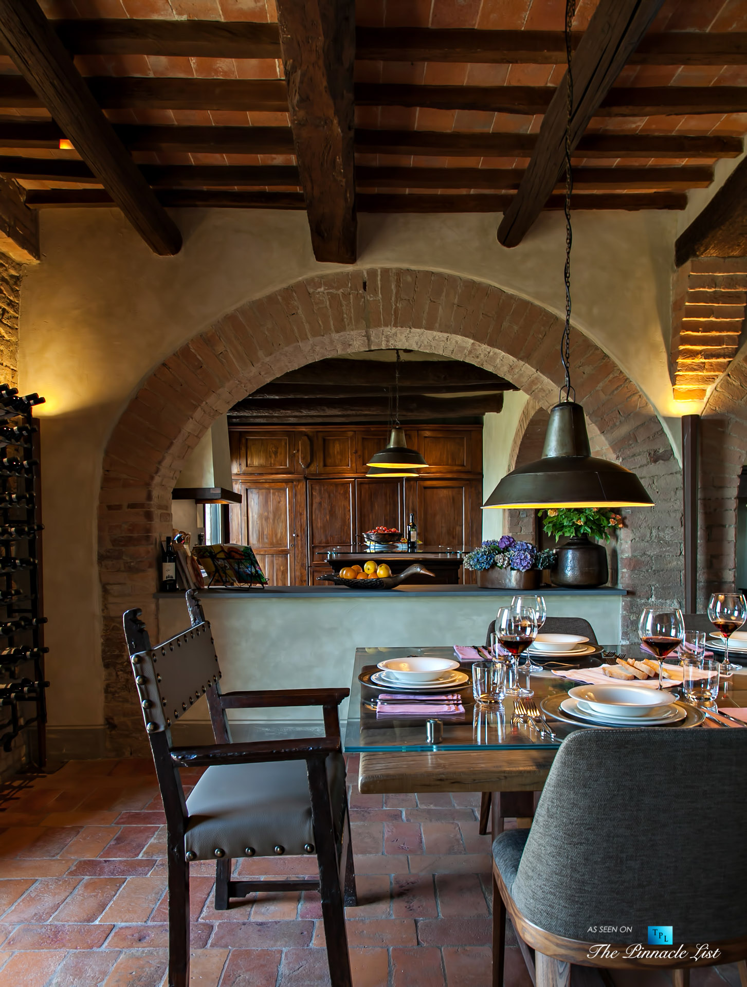Podere Paníco Estate – Monteroni d'Arbia, Tuscany, Italy – Dining Room and Kitchen – Luxury Real Estate – Tuscan Villa