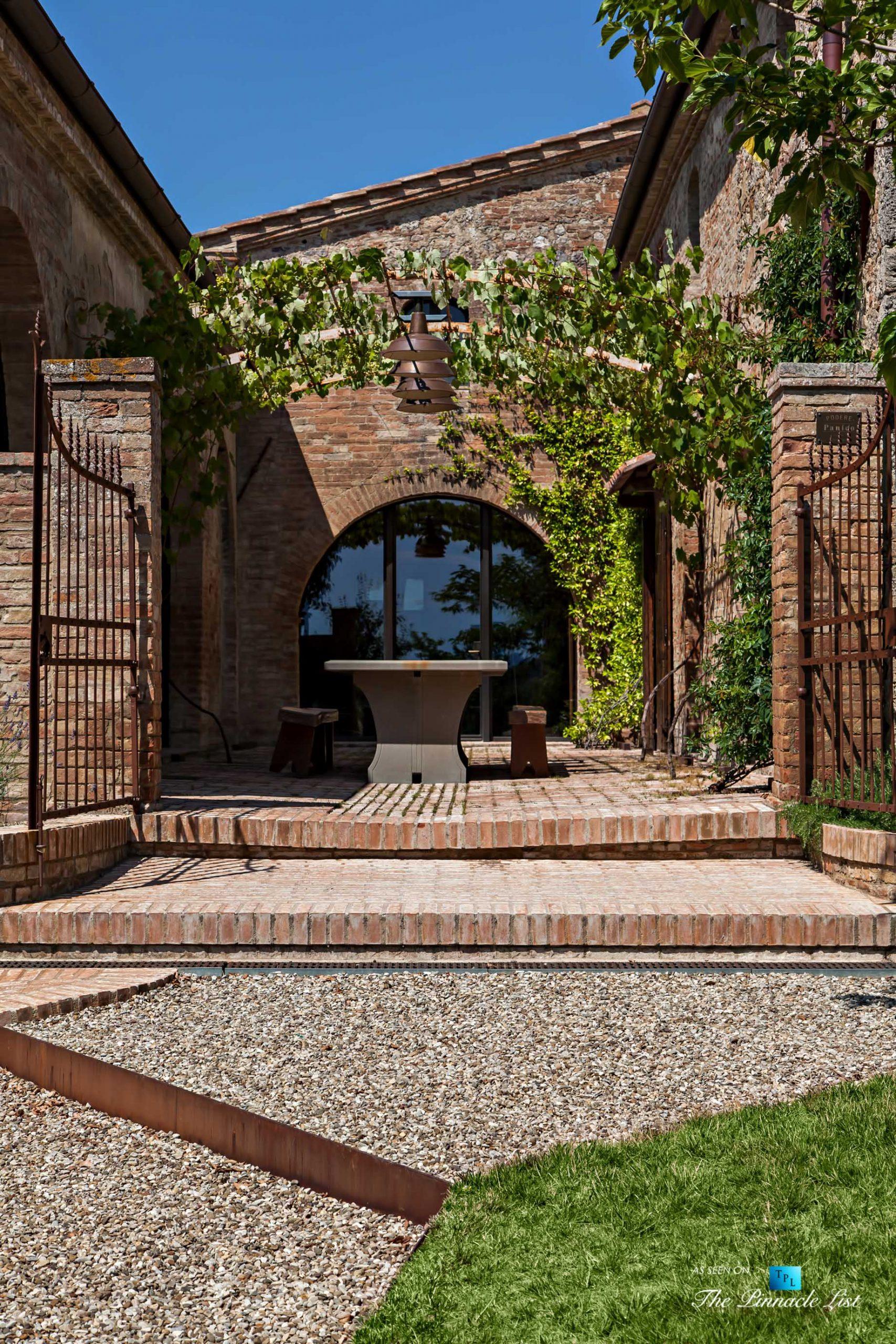 Podere Paníco Estate – Monteroni d'Arbia, Tuscany, Italy – Outside Sitting Area Table – Luxury Real Estate – Tuscan Villa