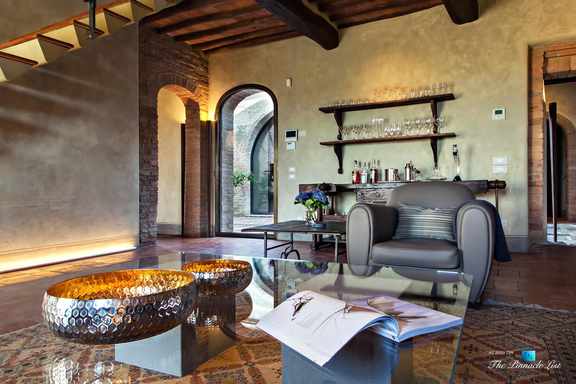 Podere Paníco Estate – Monteroni d'Arbia, Tuscany, Italy – Living Room – Luxury Real Estate – Tuscan Villa