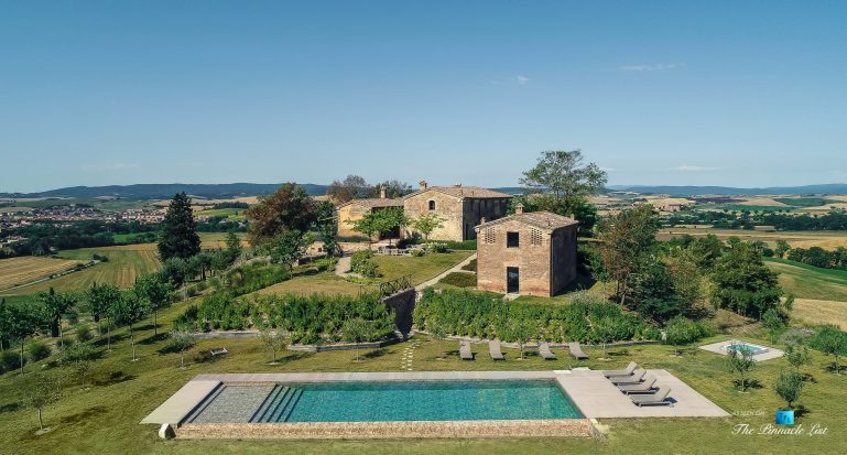 Podere Paníco Estate - Monteroni d'Arbia, Tuscany, Italy - Property Drone Aerial View - Luxury Real Estate - Tuscan Villa