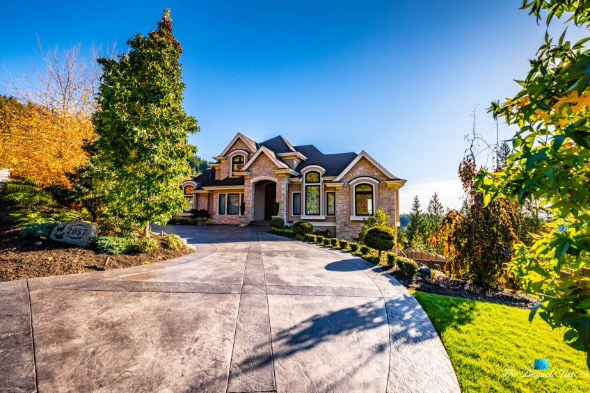 2057 Ridge Mountain Drive, Anmore, BC, Canada - House Front Private Driveway - Luxury Real Estate - West Coast Greater Vancouver Home