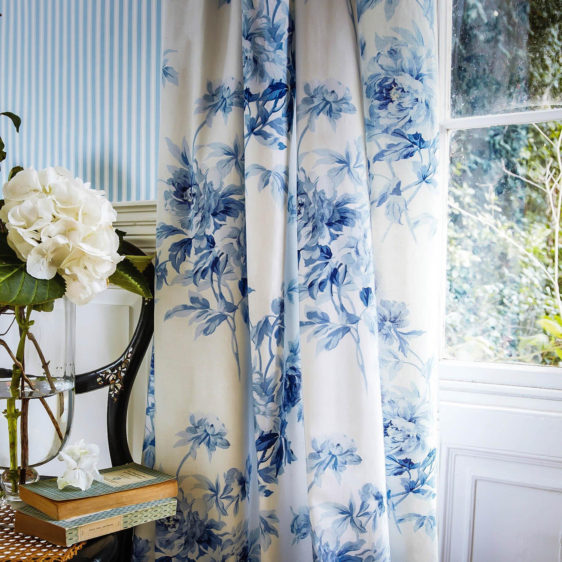 Lavish Floral Silk Drapes add Elegance to the Interior Decor of Luxury Homes