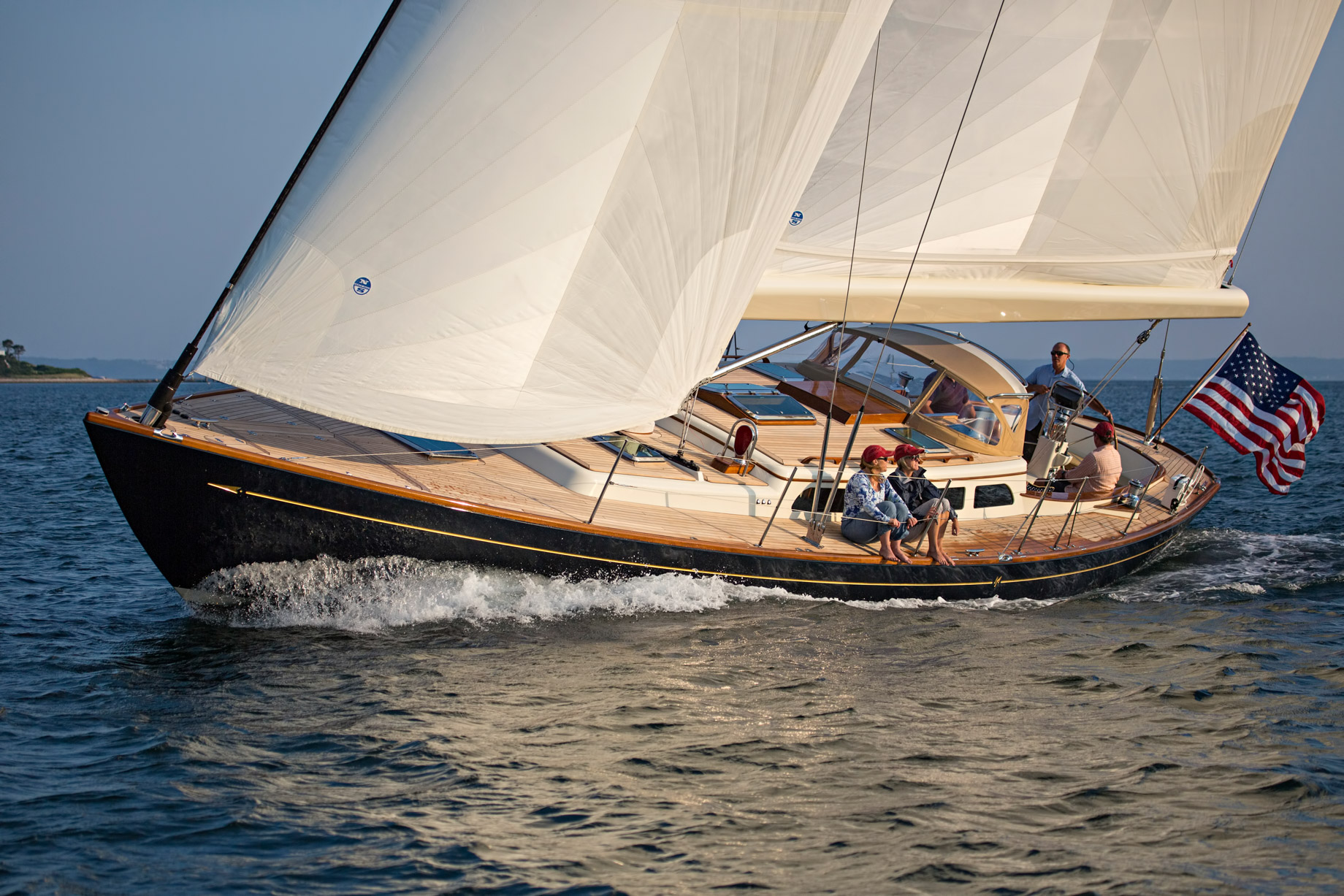 Morris Yachts - New Yachts and Powerboats for the Luxury Boat Market
