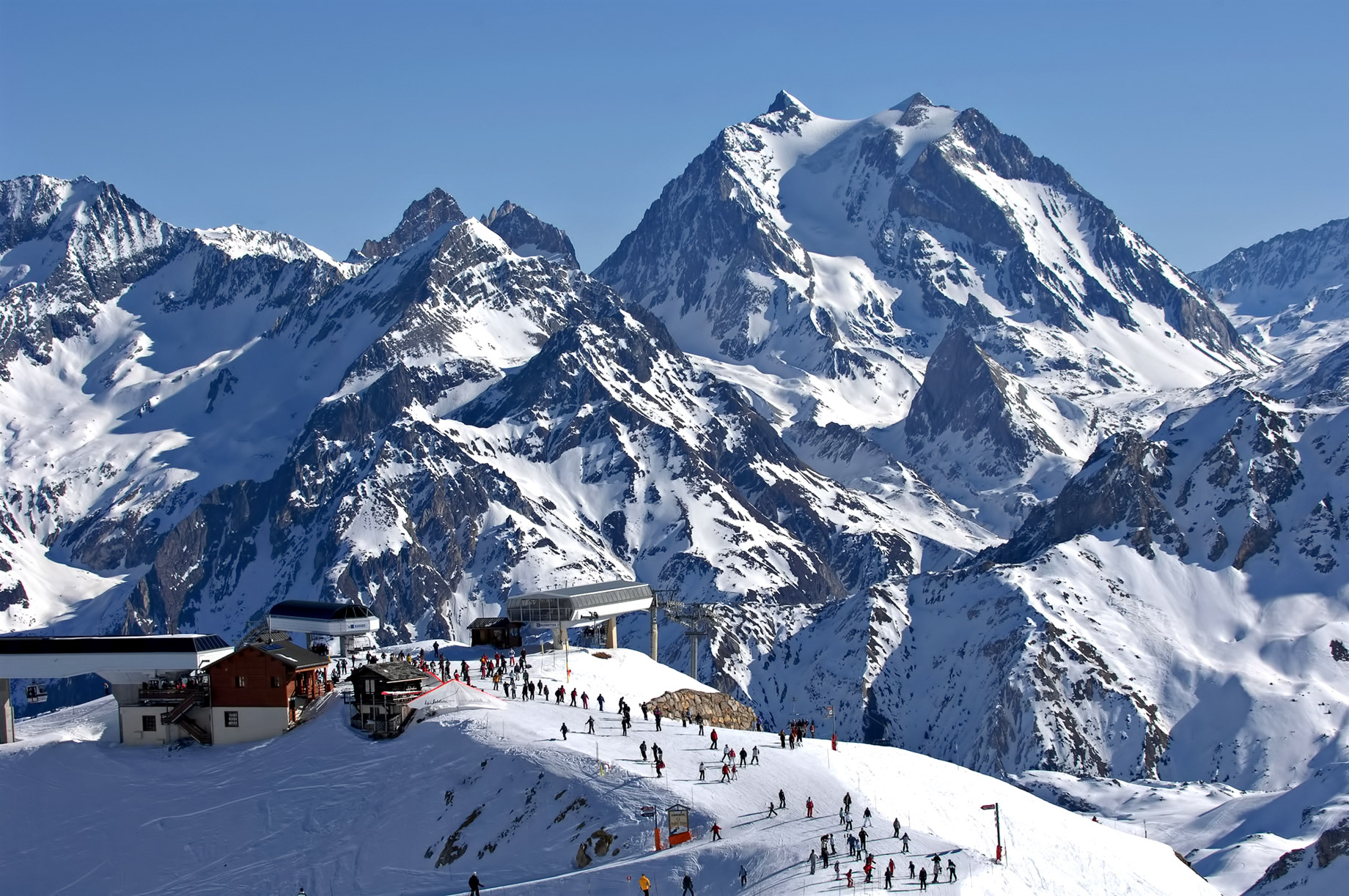 Méribel – French Alps Mountain Resort – An Exclusive Très Chic Luxury Winter Paradise