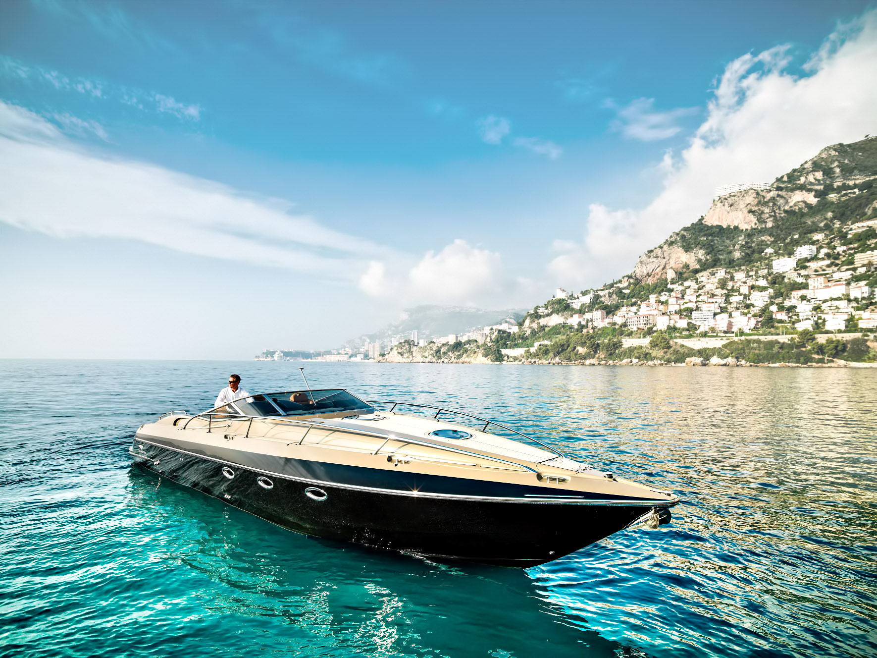 Hunton Powerboats - New Yachts and Powerboats for the Luxury Boat Market