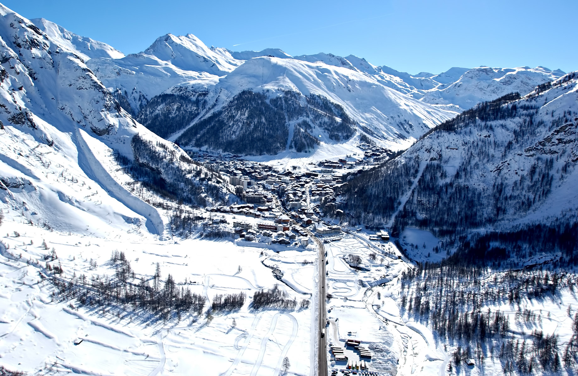 Val d'Isère - French Alps Mountain Resort - An Exclusive Très Chic Luxury Winter Paradise