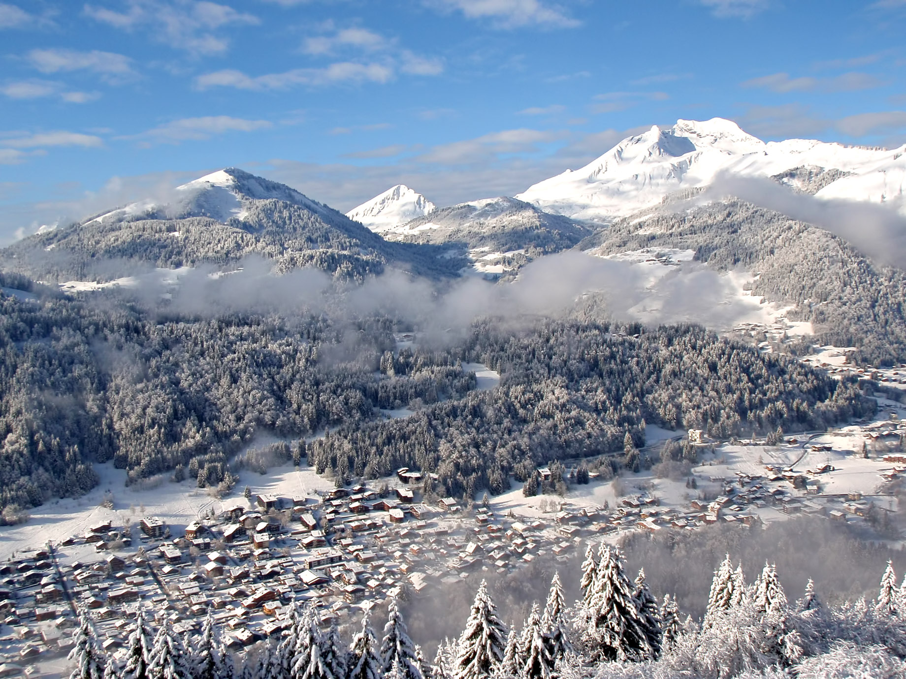 Morzine - French Alps Mountain Resort - An Exclusive Très Chic Luxury Winter Paradise