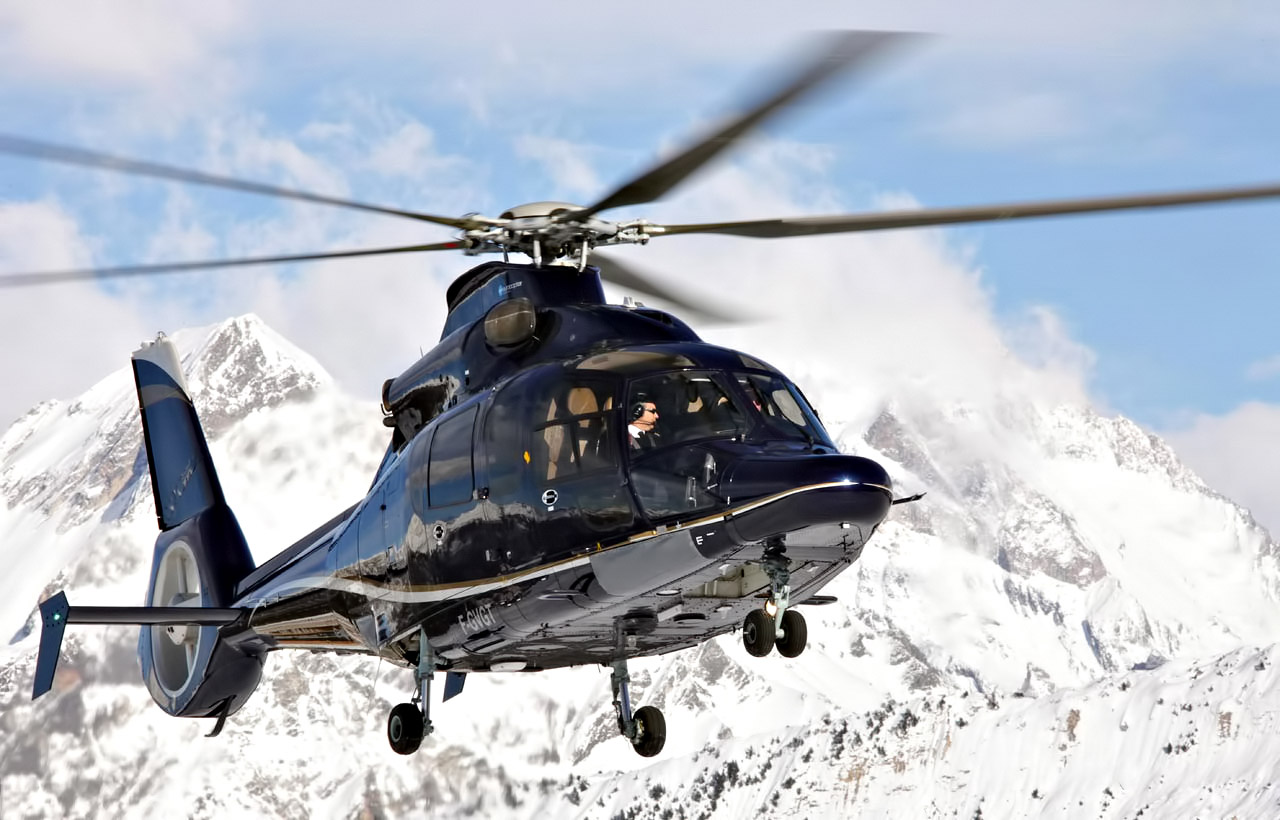 Helicopter Air Charter - French Alps Mountain Resorts - An Exclusive Très Chic Luxury Winter Paradise