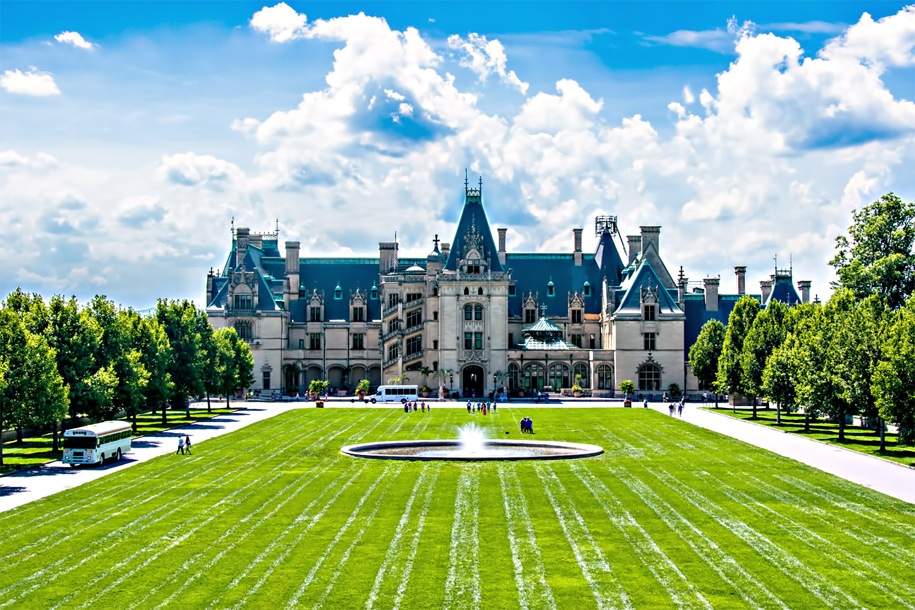The Biltmore Estate - George Vanderbilt's Mansion is the Largest Privately-Owned Home in America