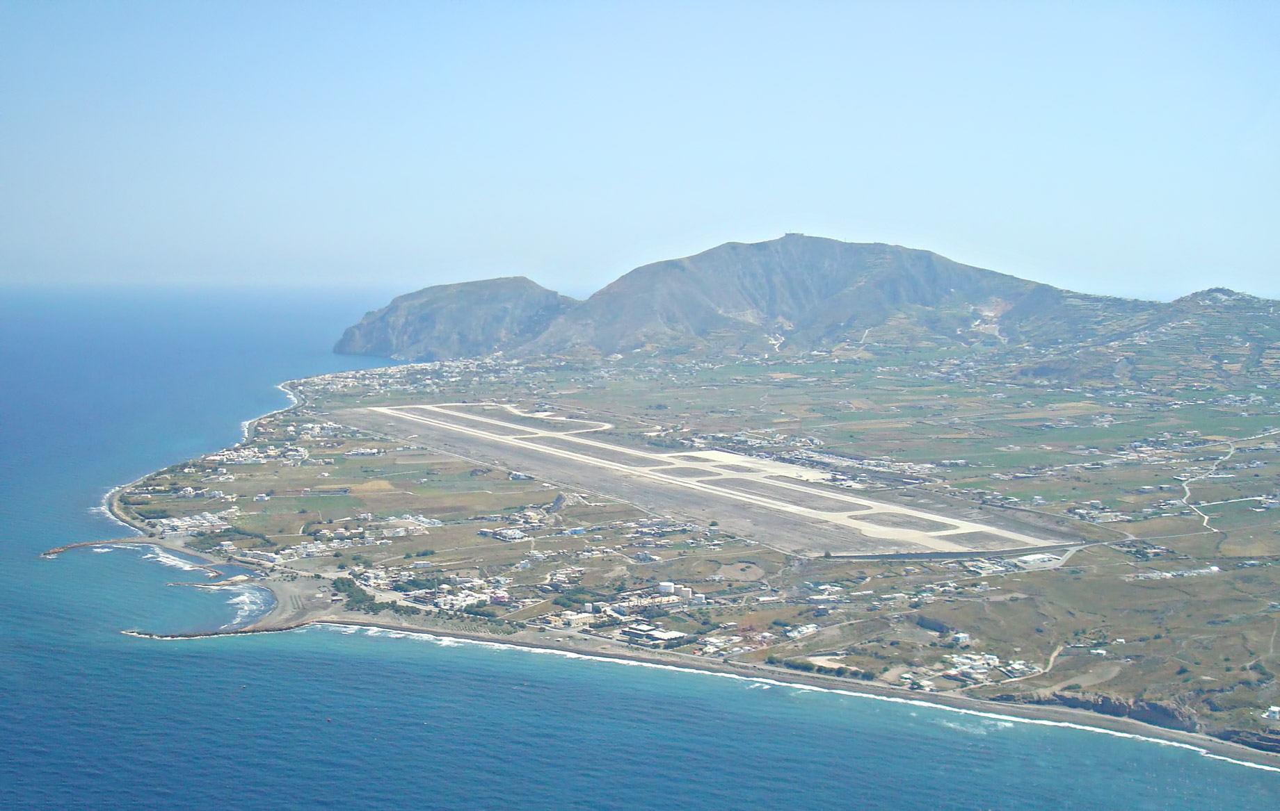 New Routes Leading to the Greek Islands - Santorini Airport