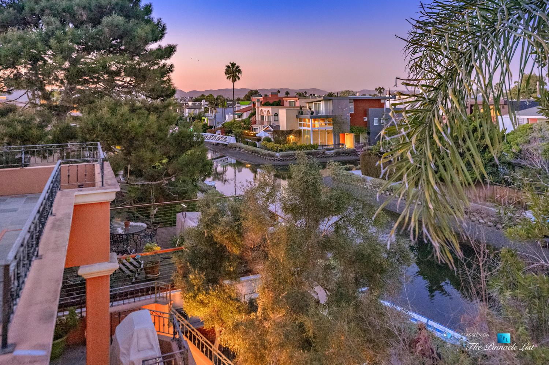 2605 Grand Canal, Venice, CA, USA