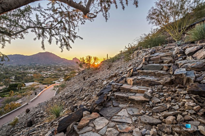 Eagle's Nest - 7011 N Invergordon Rd, Paradise Valley, AZ, USA