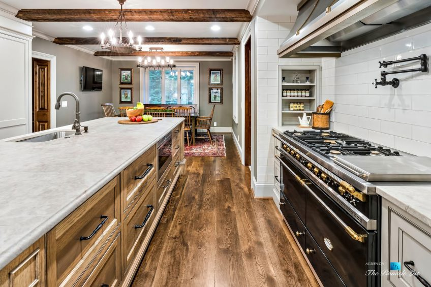75 Finch Forest Trail, Atlanta, GA, USA - Kitchen Gas Range and Hood - Luxury Real Estate - Sandy Springs Home