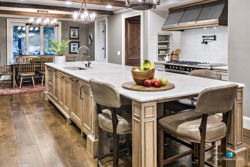 75 Finch Forest Trail, Atlanta, GA, USA - Kitchen Island Gas Range and Hood - Luxury Real Estate - Sandy Springs Home