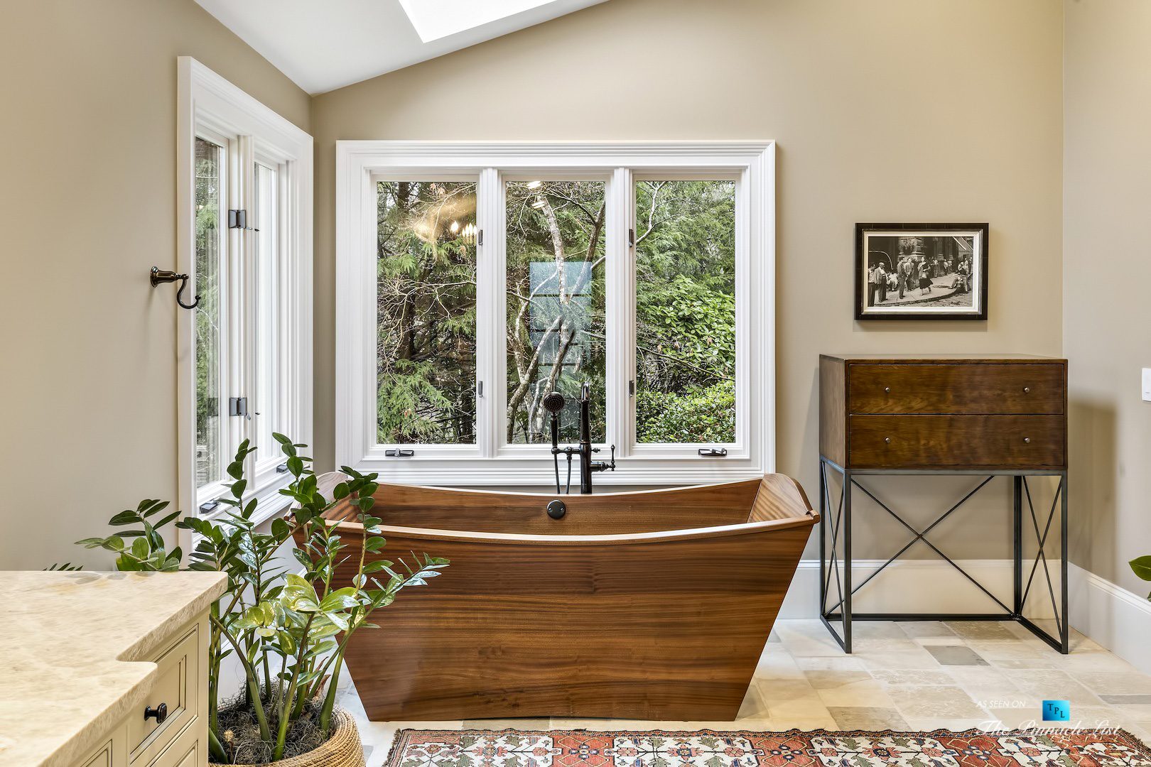 75 Finch Forest Trail, Atlanta, GA, USA – Master Bathroom with Freestanding Wood Tub – Luxury Real Estate – Sandy Springs Home