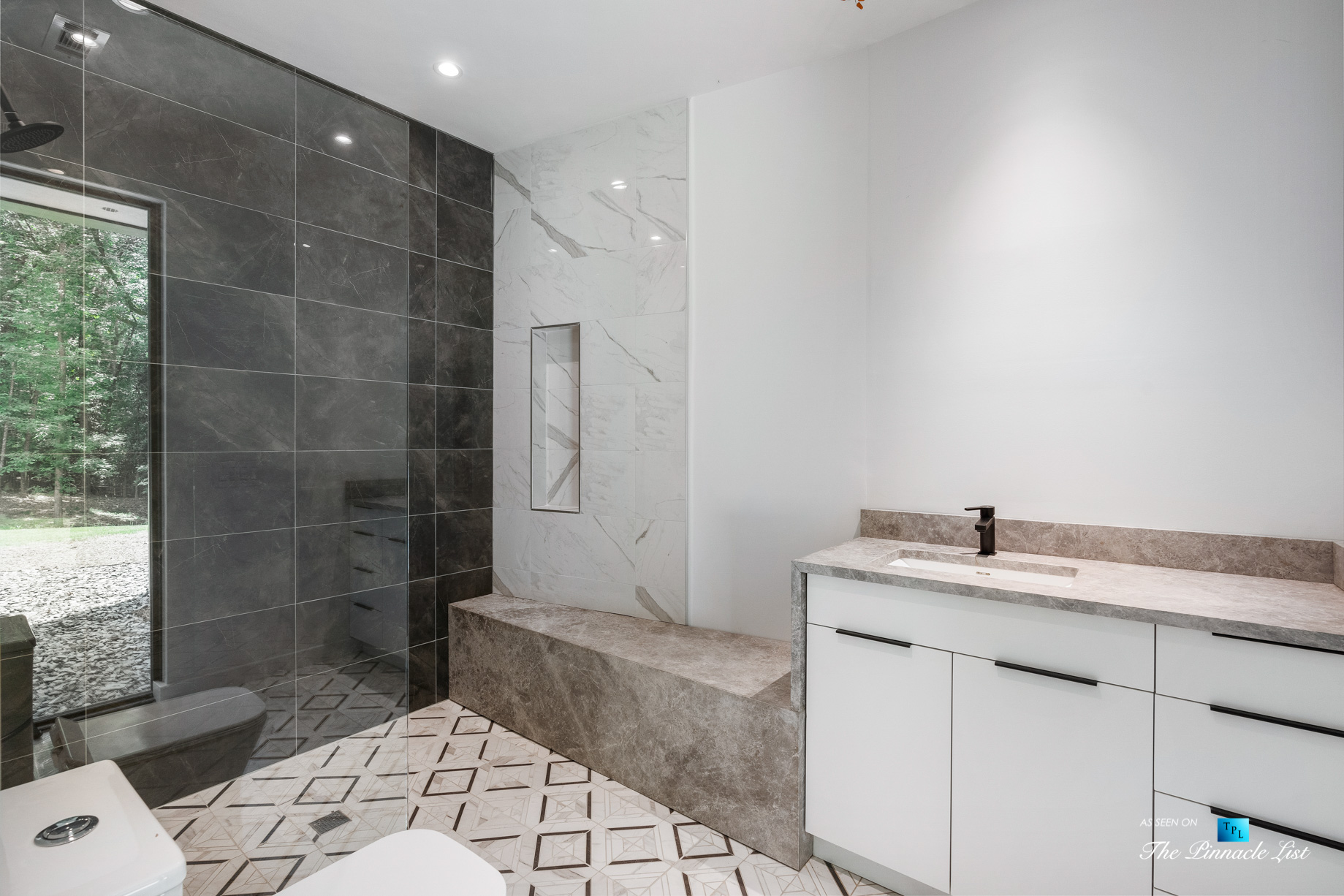 2716 Ridgewood Rd NW, Atlanta, GA, USA – Bathroom – Luxury Real Estate – Modern Contemporary Buckhead Home