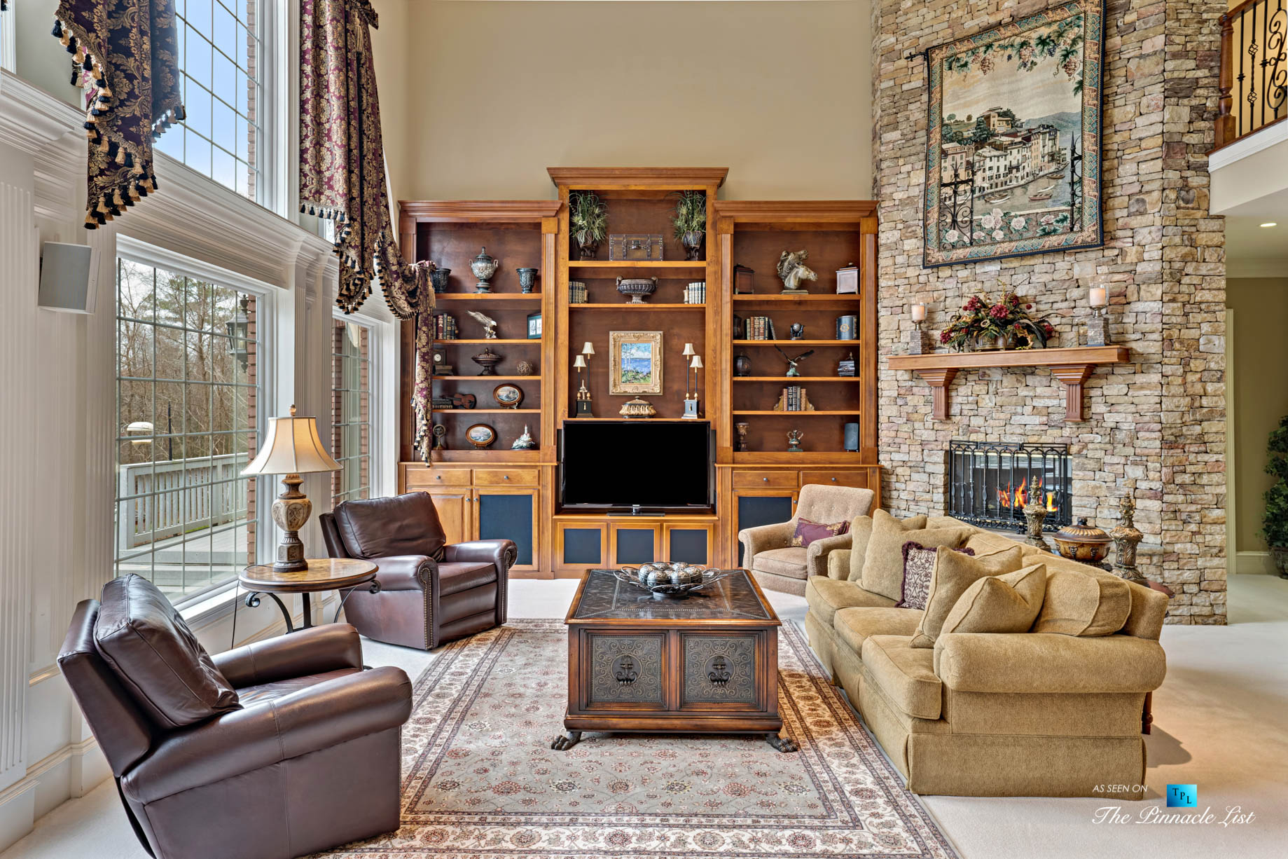 2219 Costley Mill Rd NE, Conyers, GA, USA – Living Room with Fireplace – Luxury Real Estate – Equestrian Country Home