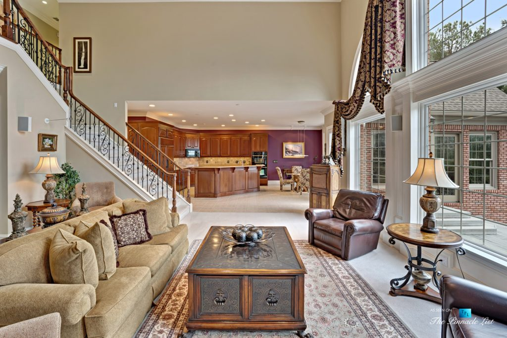 2219 Costley Mill Rd NE, Conyers, GA, USA - Living Room and Kitchen - Luxury Real Estate - Equestrian Country Home