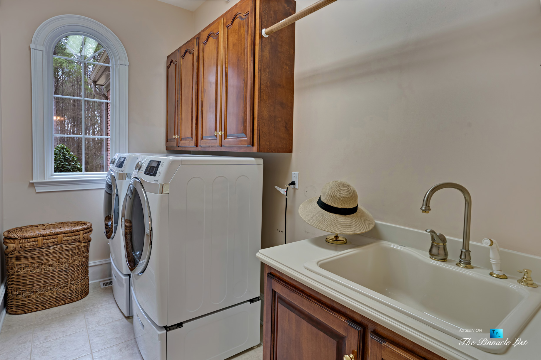 2219 Costley Mill Rd NE, Conyers, GA, USA - Laundry Room - Luxury Real Estate - Equestrian Country Home