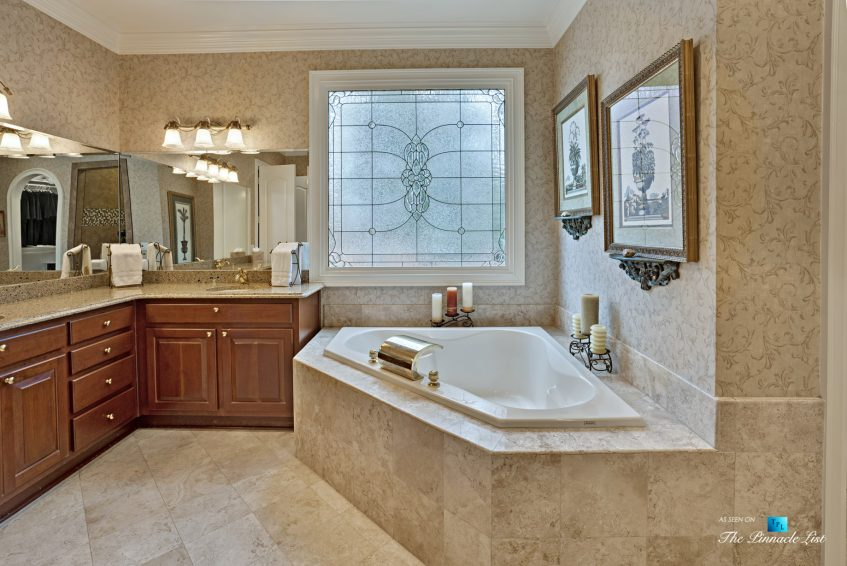 2219 Costley Mill Rd NE, Conyers, GA, USA - Master Bathroom - Luxury Real Estate - Equestrian Country Home