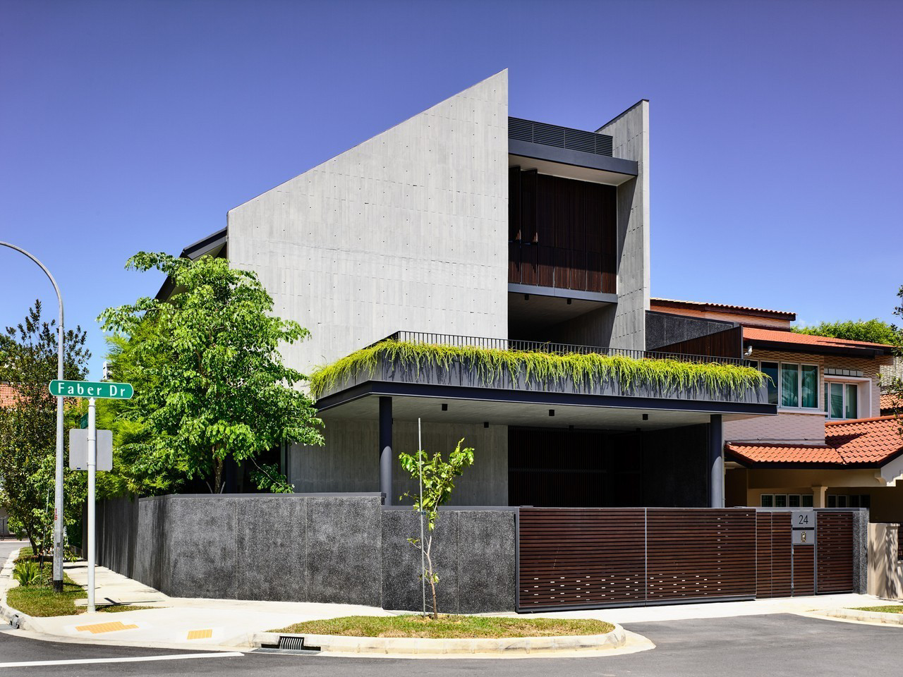 Cascading Courts Luxury House – Faber Drive, Singapore