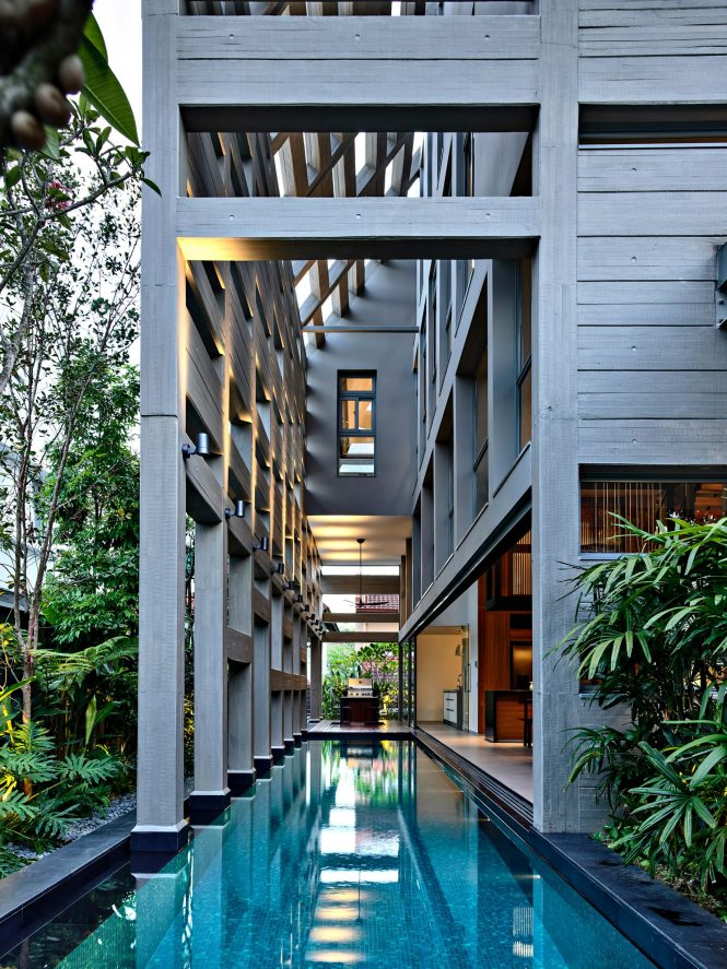 Concrete Light House Residence - Greenleaf Drive, Singapore