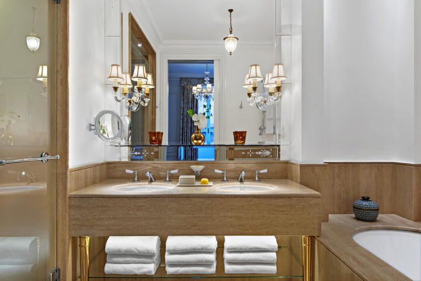 The St. Regis Rome Luxury Hotel - Rome, Italy - St. Regis Suite Bathroom