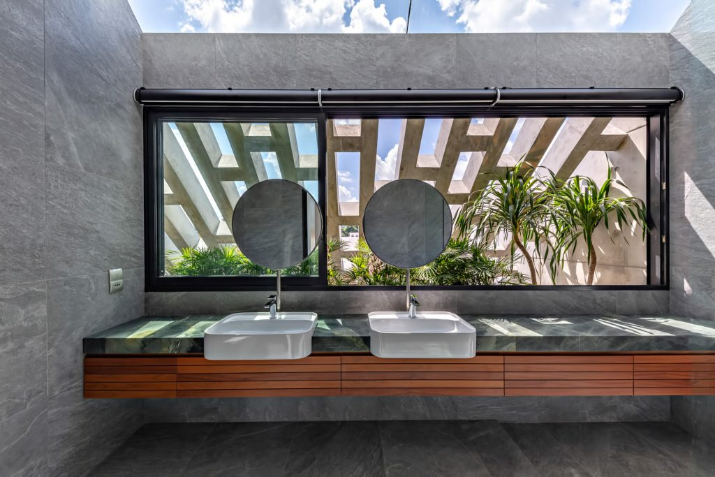 Custom Shades Luxury House - West Coast Grove, Singapore