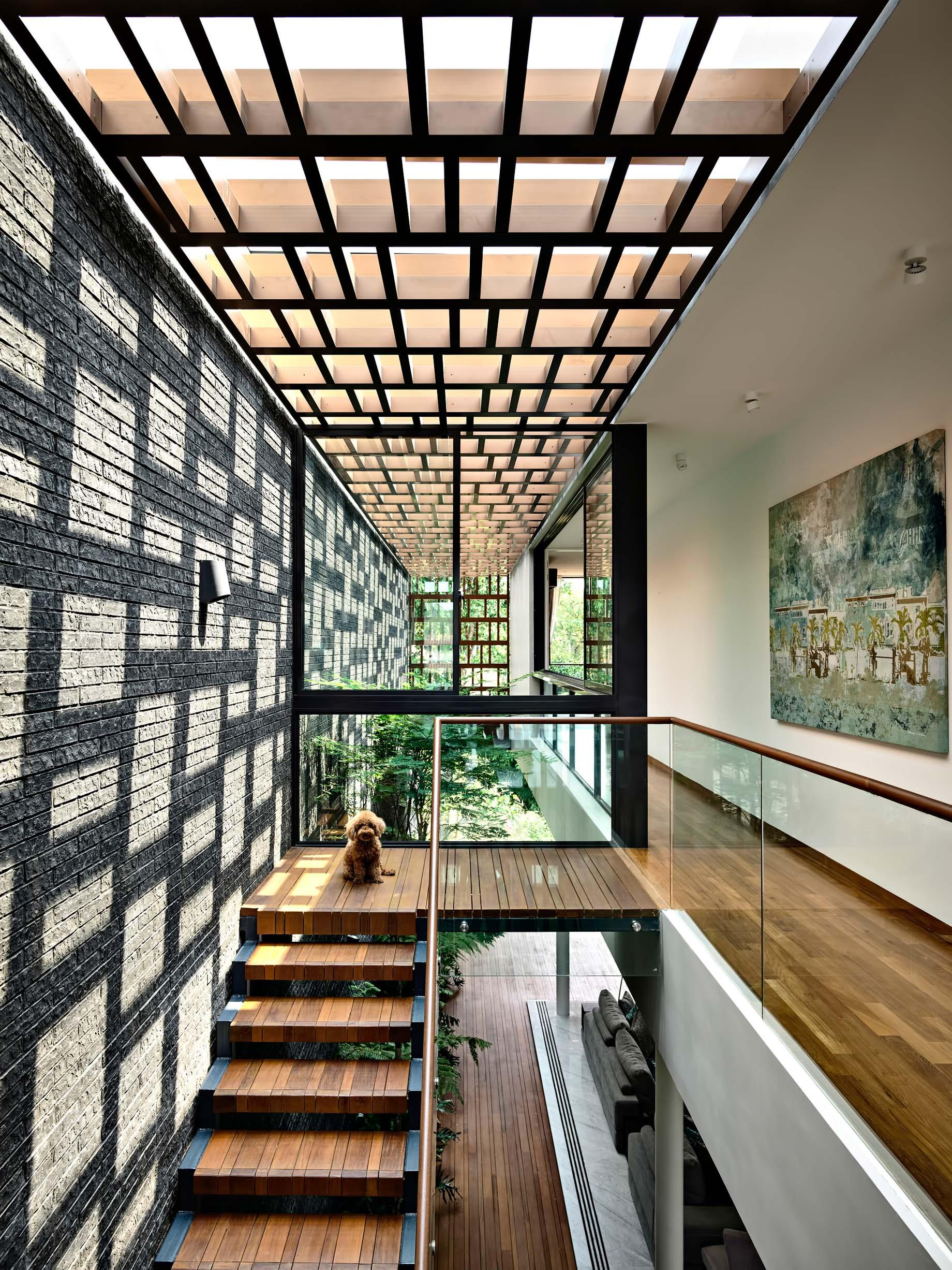 Viewing Back Luxury House – Jalan Tempua, Singapore