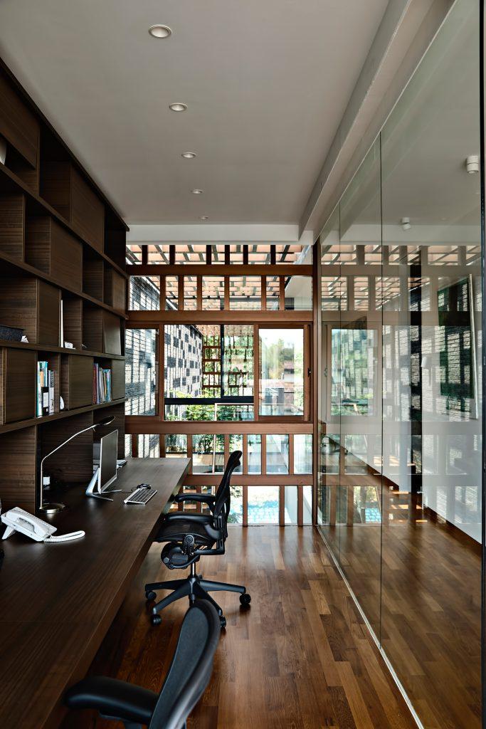 Viewing Back Luxury House - Jalan Tempua, Singapore