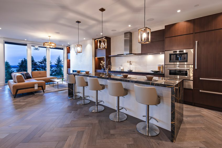 2111 Union Court, West Vancouver, BC, Canada - Kitchen