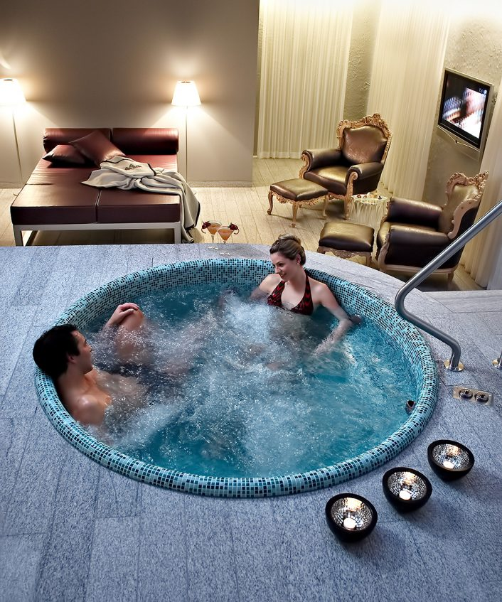 Tschuggen Grand Luxury Hotel - Arosa, Switzerland - Hot Tub