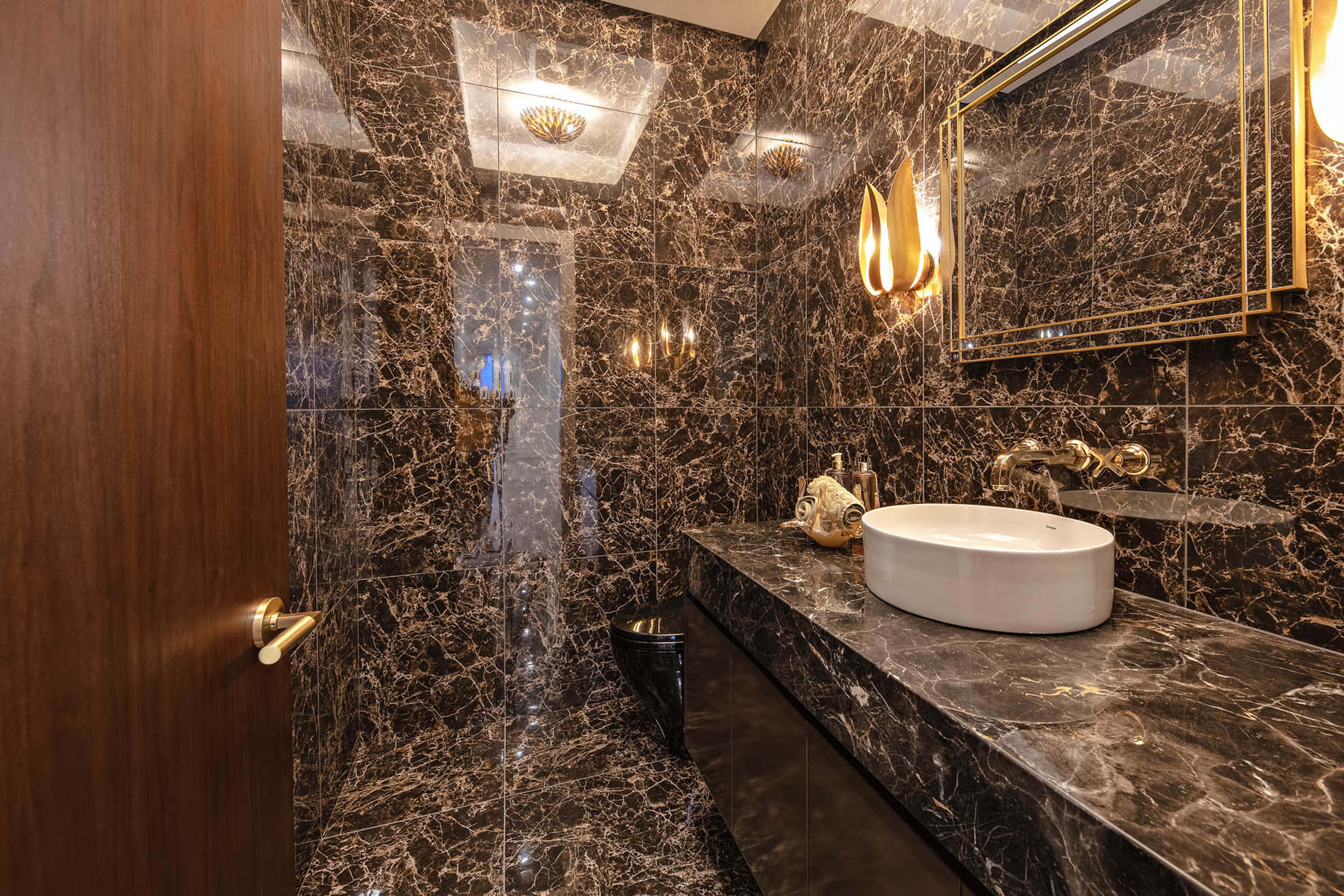 2111 Union Court, West Vancouver, BC, Canada - Washroom