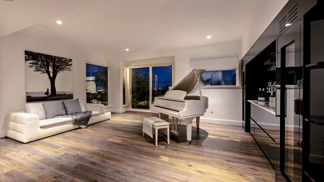 2121 Union Court, West Vancouver, BC, Canada - Entertainment Room