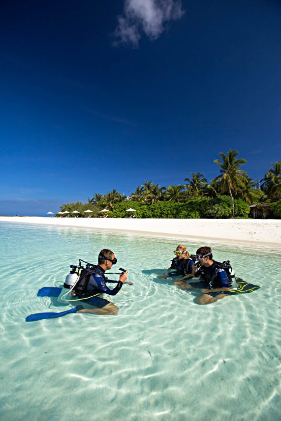 Velassaru Maldives Luxury Resort - South Male Atoll, Maldives - Skuba Diving