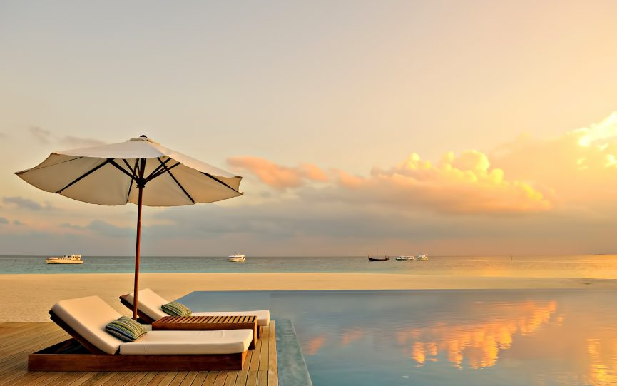 239 - Velassaru Maldives Luxury Resort - South Male Atoll, Maldives - Infinity Pool Sunset