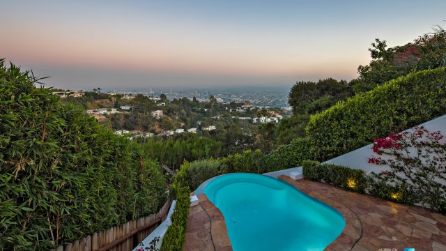 9240 Robin Dr, Los Angeles, CA, USA