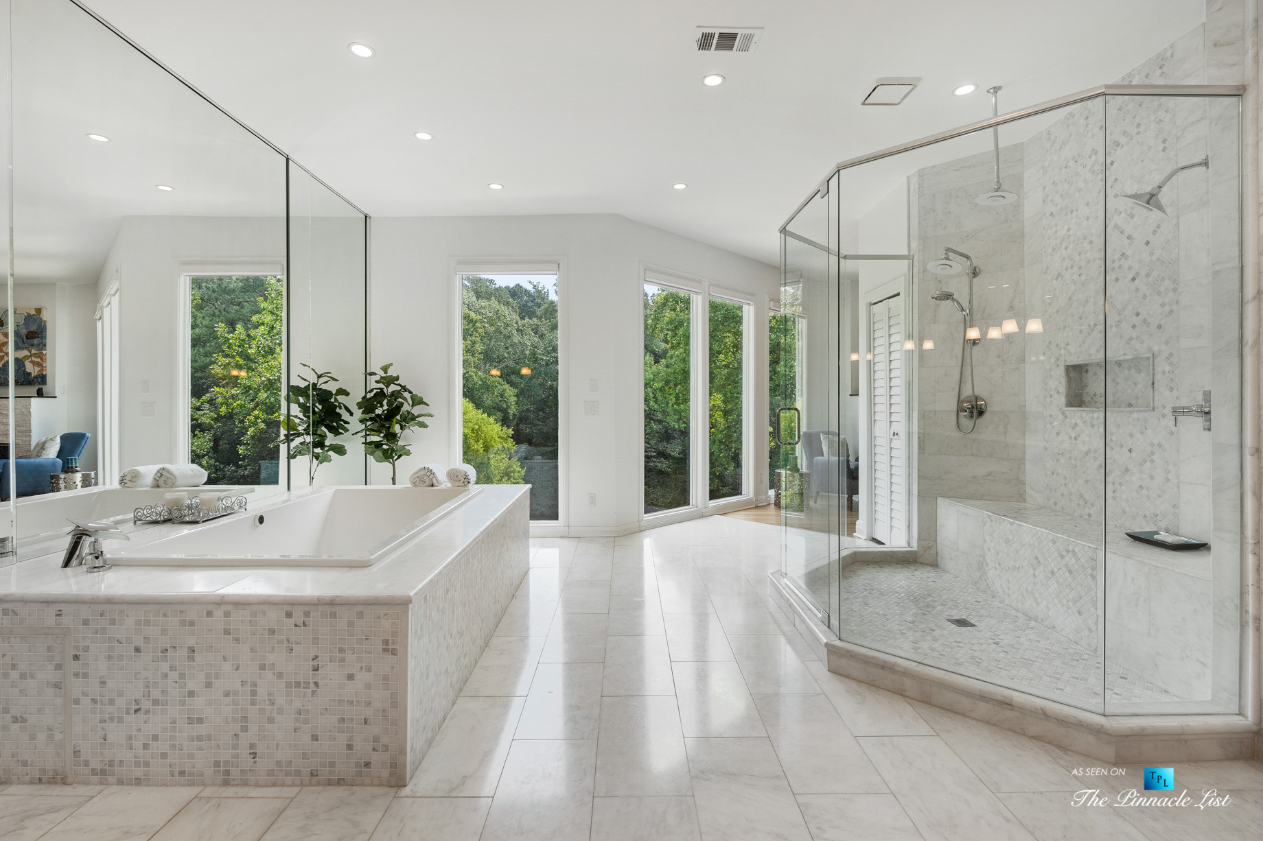 3906 Paces Ferry Rd NW, Atlanta, GA, USA - Master Bathroom Tub and Shower - Luxury Real Estate - Buckhead Home