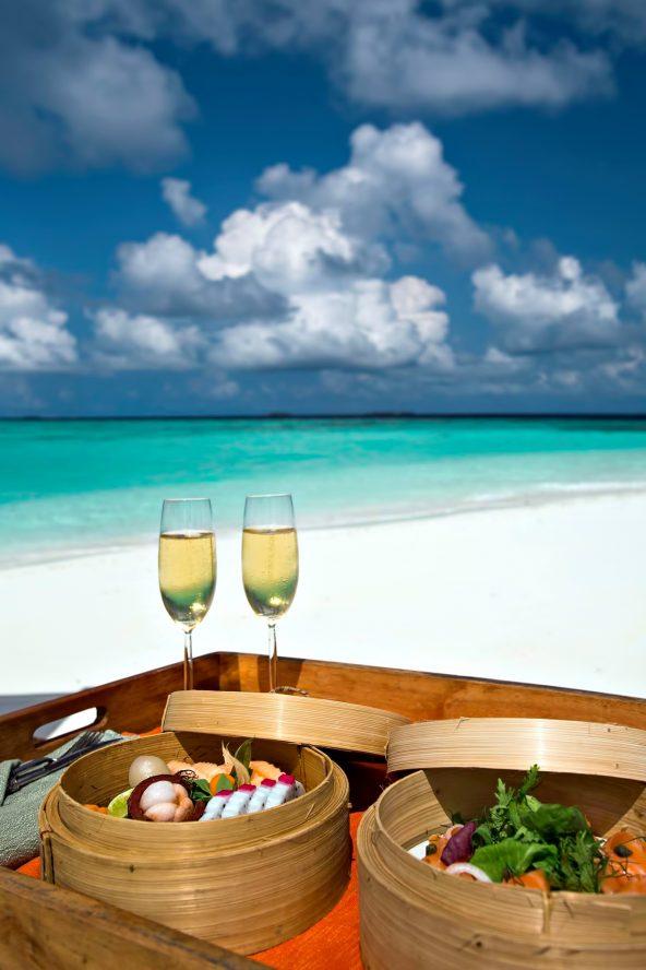 Gili Lankanfushi Luxury Resort - North Male Atoll, Maldives - White Sand Beach Dining
