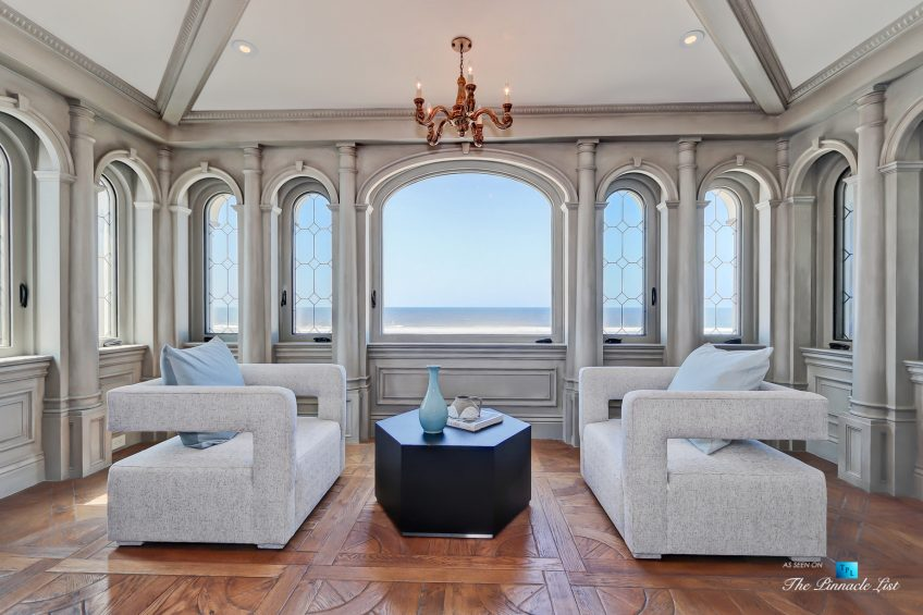 2806 The Strand, Hermosa Beach, CA, USA - Master Bedroom Sitting Area - Luxury Real Estate - Oceanfront Home