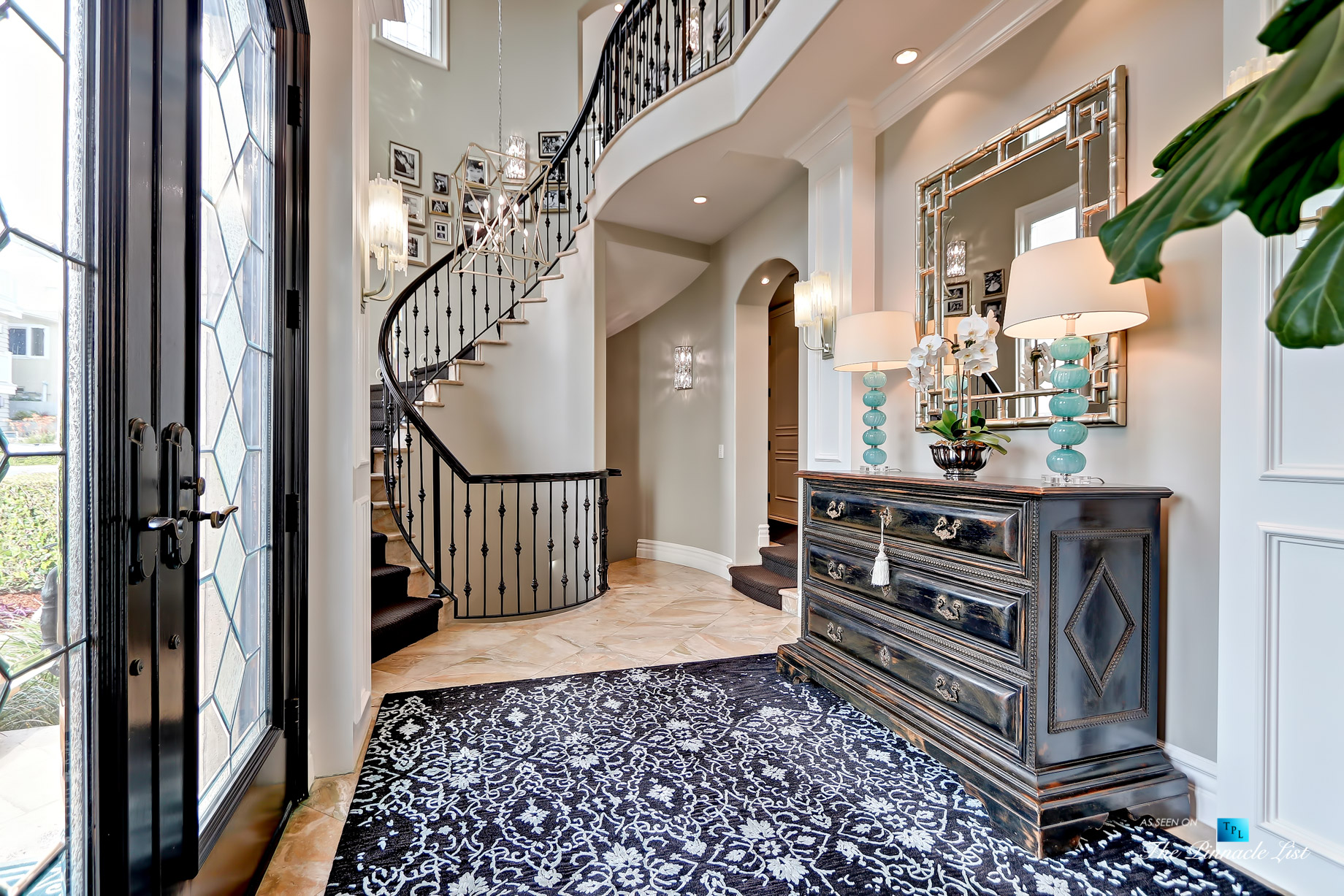 Luxury Real Estate – 1920 The Strand, Manhattan Beach, CA, USA – Foyer