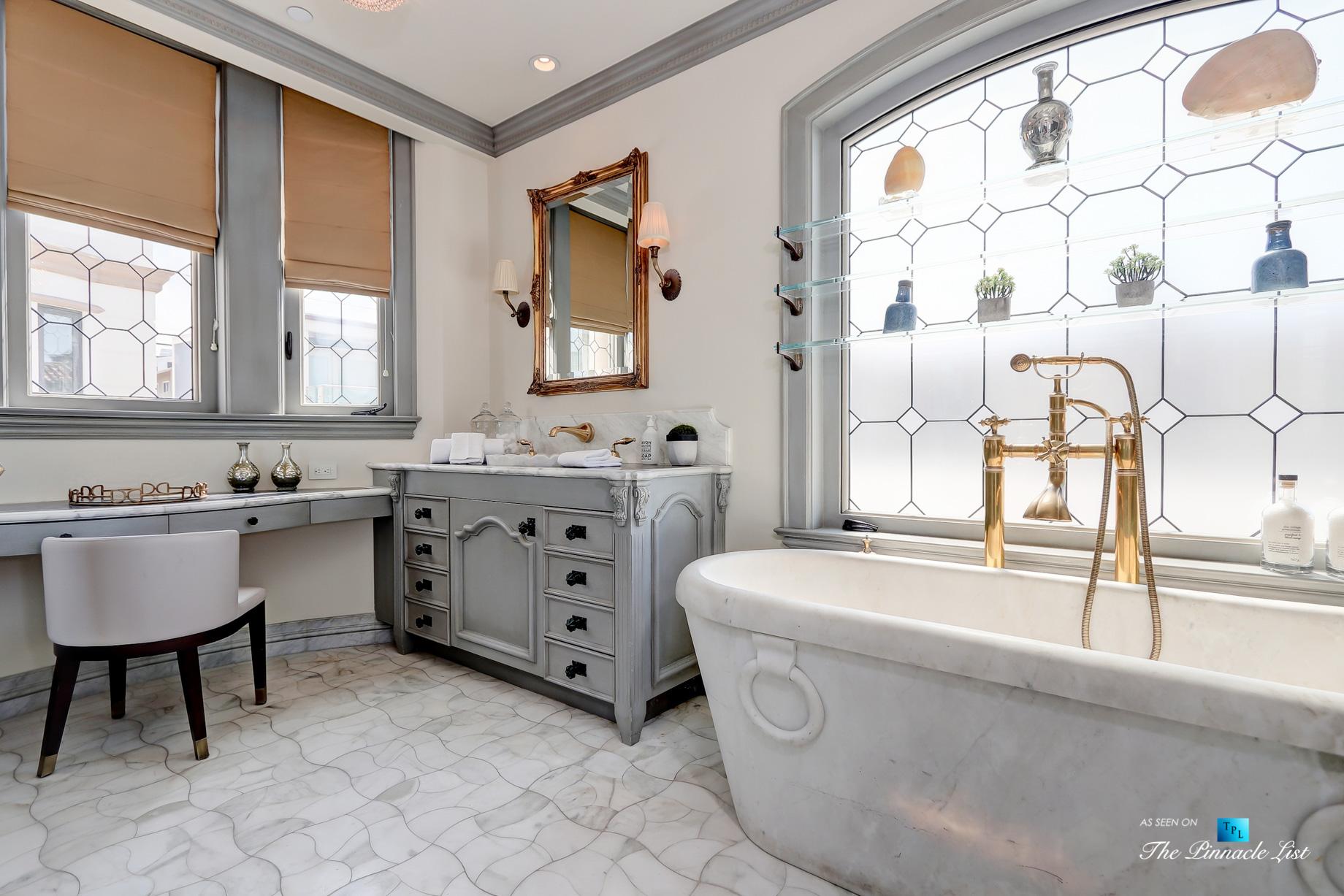 2806 The Strand, Hermosa Beach, CA, USA – Master Bathroom Tub – Luxury Real Estate – Oceanfront Home