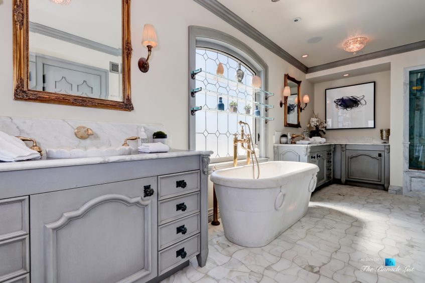 2806 The Strand, Hermosa Beach, CA, USA - Master Bathroom Vanity - Luxury Real Estate - Oceanfront Home