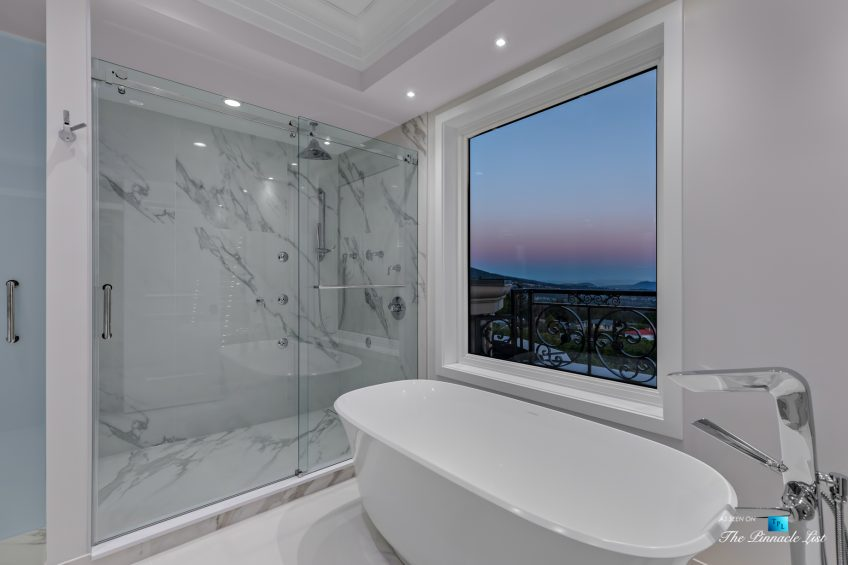 Luxury Real Estate - 1102 Hillside Rd, West Vancouver, BC, Canada