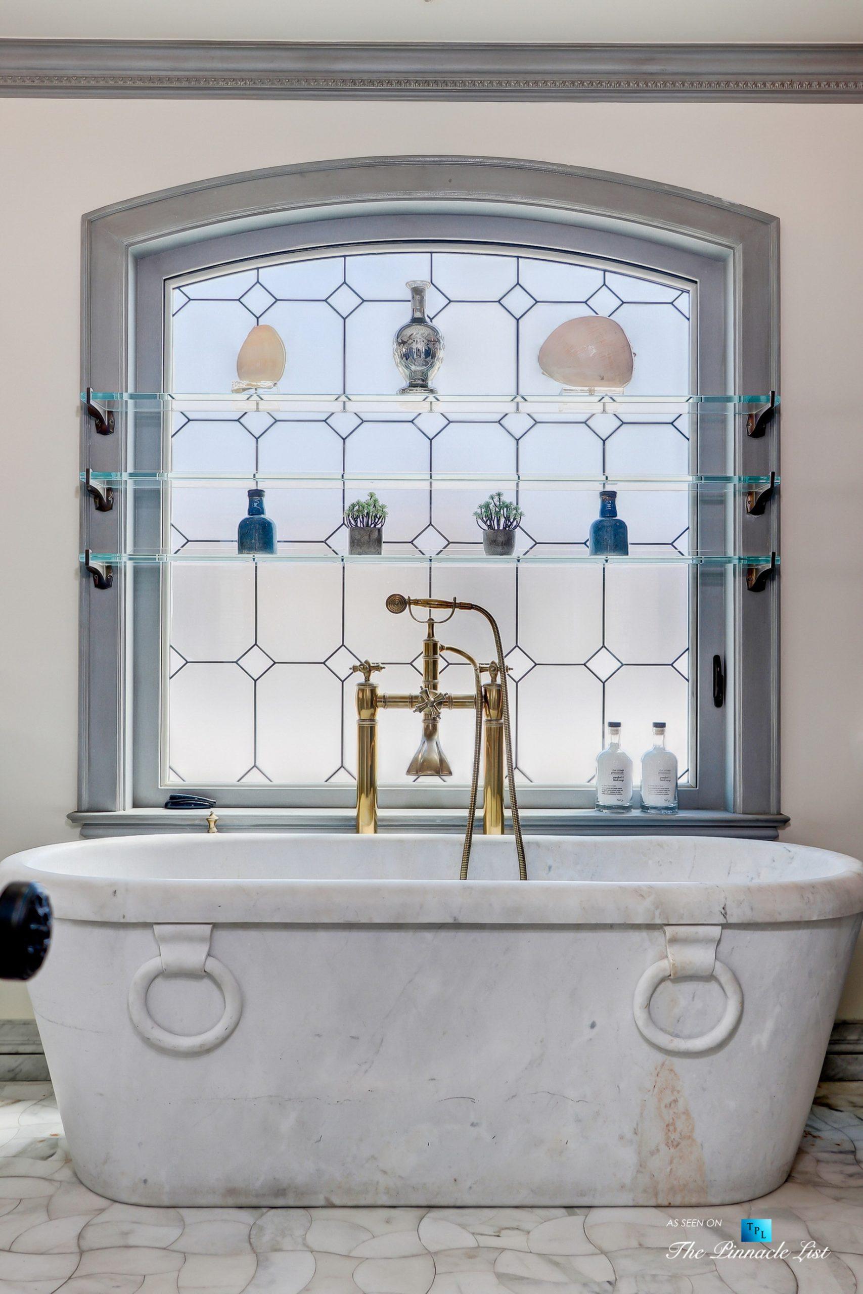 Luxury Real Estate - 2806 The Strand, Hermosa Beach, CA, USA - Master Bathtub