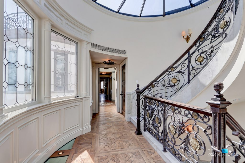 2806 The Strand, Hermosa Beach, CA, USA - Upper Landing Stairs - Luxury Real Estate - Oceanfront Home