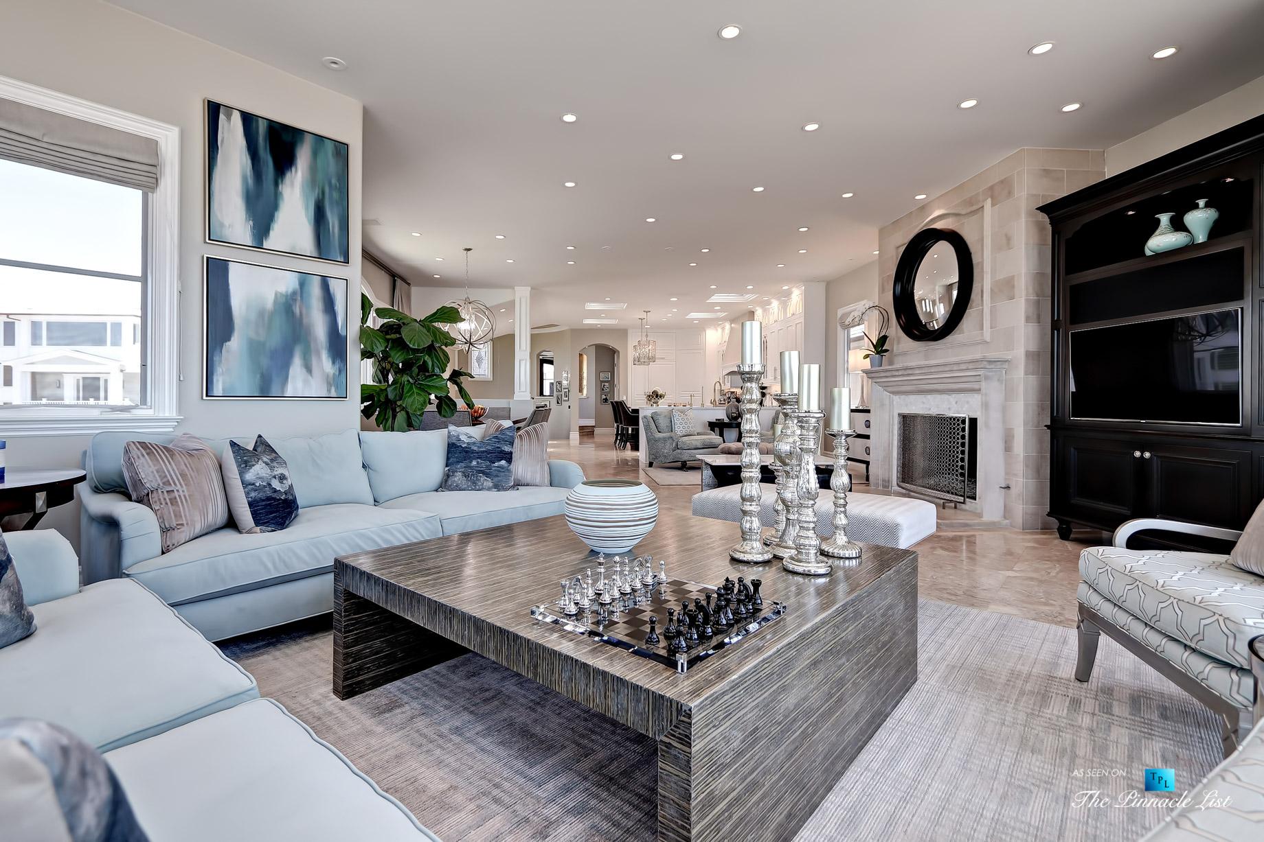Luxury Real Estate – 1920 The Strand, Manhattan Beach, CA, USA – Living Room