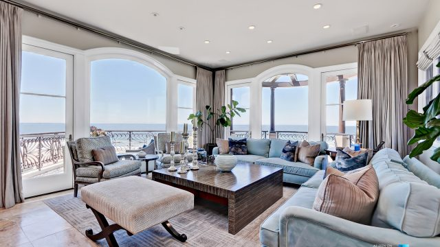 Luxury Real Estate - 1920 The Strand, Manhattan Beach, CA, USA - Living Room Ocean View