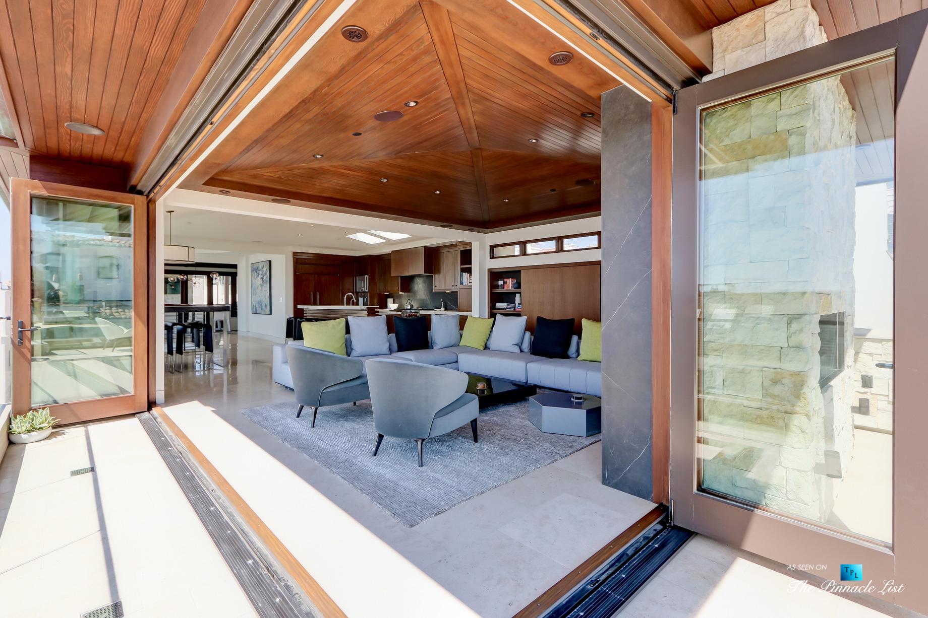 Luxury Real Estate - 205 20th Street, Manhattan Beach, CA, USA - Living Room